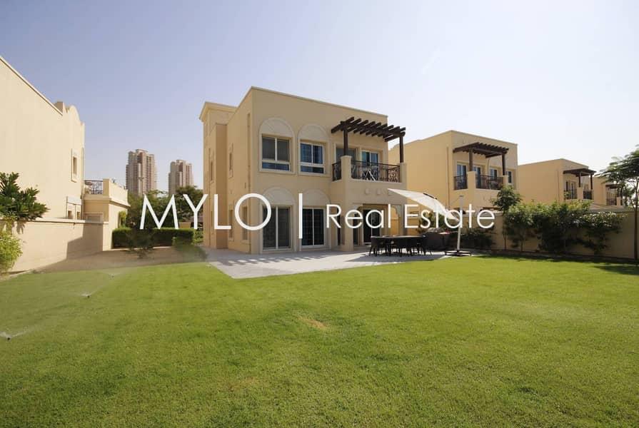 Stunning   2 beds villa   Close to mall
