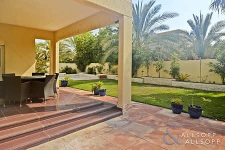4 Bedroom Villa for Sale in The Meadows, Dubai - 4 Beds | Private Garden | Marble Flooring