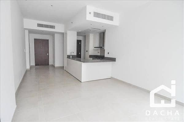 11 3 bedroom apartment! Marina Gate 2! Vacant!