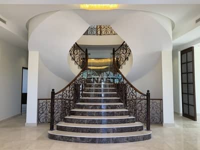 فیلا 7 غرف نوم للبيع في لؤلؤة جميرا، دبي - Ready & Spacious 7 Bed Room Villa with Private Pool