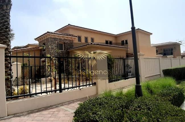 Exceptional Luxury Villa w/ Huge Garden!