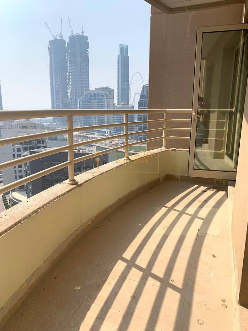 2 Chiller free ! 1 Bedroom with big balcony ! marina view for rent in Manchester Tower