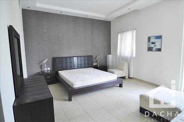 10 Luxury Spacious Apartment with Full Marina View
