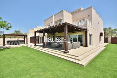 6 Bedroom Villa for Sale in The Meadows, Dubai - Fully renovated | Large garden | Vastu