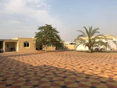 5 Bedroom Villa for Sale in Al Noaf, Sharjah - Large villa for sale in al gharayen 2 at a cheap price