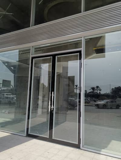 Showroom for Rent in Al Garhoud, Dubai - Spacious