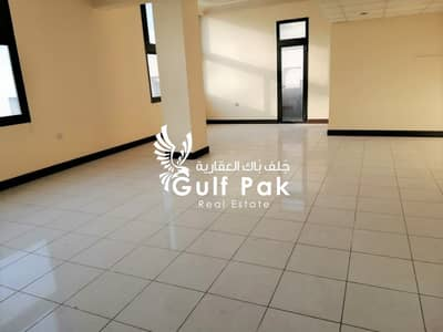 Magnificent 2BHK 65K 4Chqs in Tourist Club Area