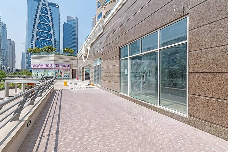 10 Retail Space in Cluster O with Lake view