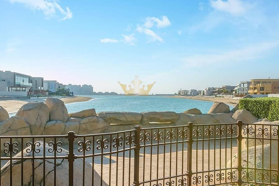 17 Canal Cove 3Bedrooms Villa in Palm Jumeirah