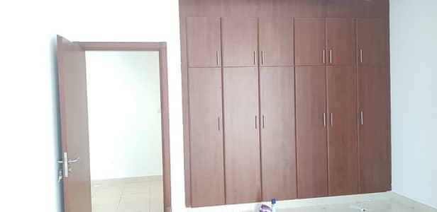 شقة في البطين 2 غرف 85000 درهم - 4278829