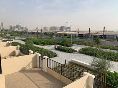 3 Bedroom Villa for Sale in Town Square, Dubai - New Villa Near Pool and park 3 Bed Maid Single row
