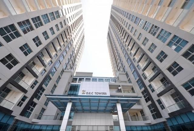 شقة في برج دي إي سي دبي مارينا 1 غرف 52000 درهم - 4279228