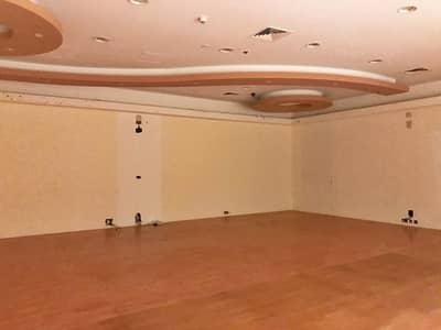 محل تجاري  للايجار في جي بي ار، دبي - Wooden Floor Shop - Inside Mall for Rent