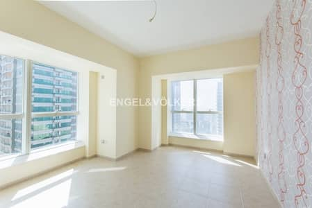 2 Bedroom Flat for Rent in Dubai Marina, Dubai - Well Maintained | High Floor | Unfurnished