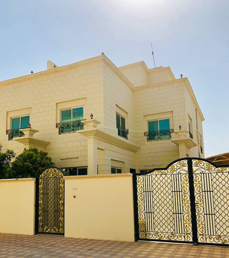 Fantastic 4 Bedrooms Separate Villa in Compound AED 120k @ MBZ CITY