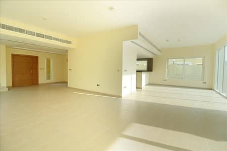 4 Bedroom Villa for Sale in Jumeirah Park, Dubai - 4 BR Cheapest Deal in Market  Must sell  District 9