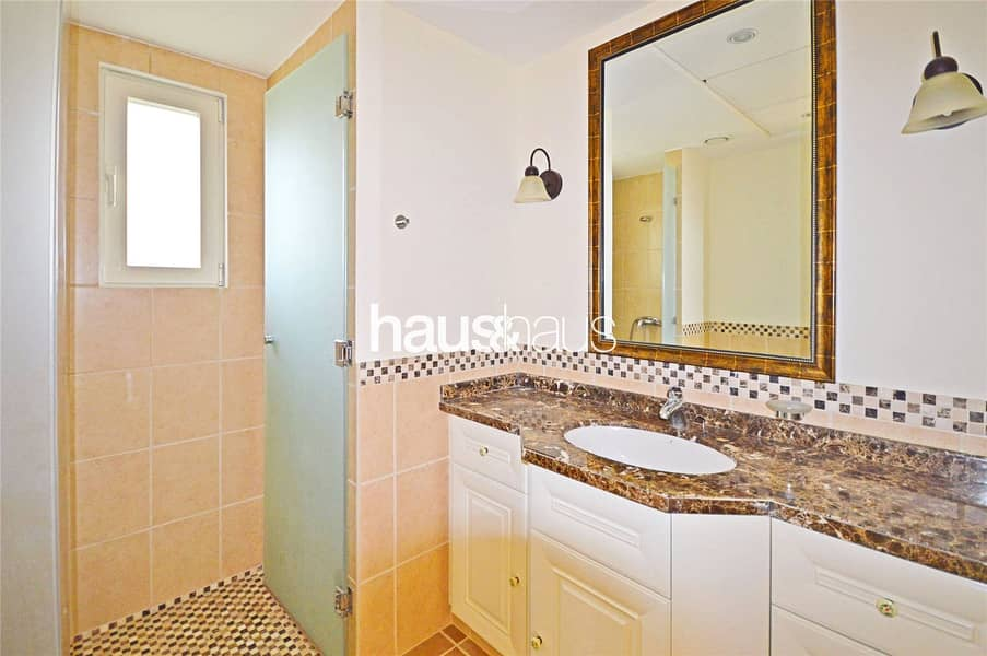 10 Most sought after Valencia   Golf views   5 B/R