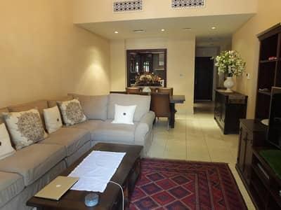 شقة 2 غرفة نوم للبيع في المدينة القديمة، دبي - A Well Presented 2 BR Garden Apt in Old Town.