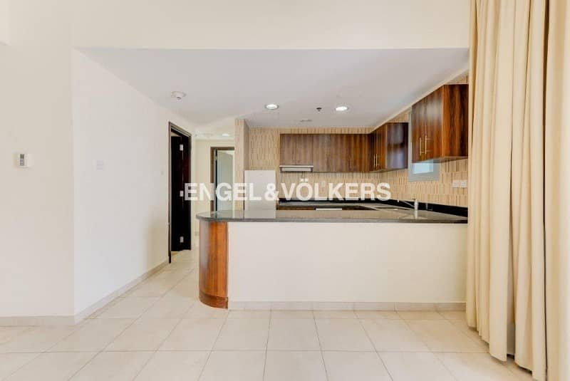 2 Luxurious   High Floor  Vacant  Unfurnished