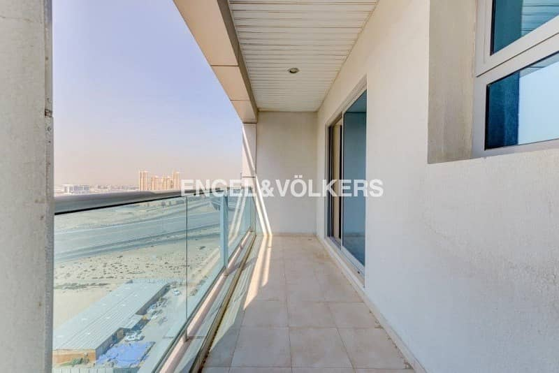 11 Luxurious   High Floor  Vacant  Unfurnished