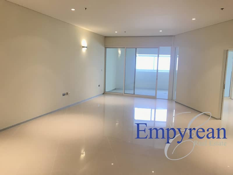 One Month Free Spacious one Bed room Sea view Next to Fairmont Sheikh Zayed Road