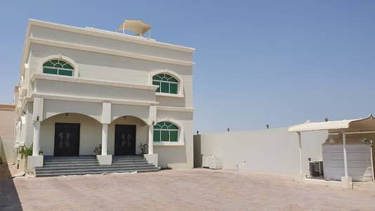 5 Bedroom Villa for Rent in Shakhbout City (Khalifa City B), Abu Dhabi - Call me 5BEDS DRIVER ROOM + KITCHEN OUTSIDE 200K!