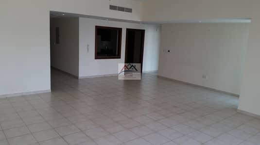 شقة 2 غرفة نوم للايجار في الخليج التجاري، دبي - big size 2 Bed at best price  @92K wow deal