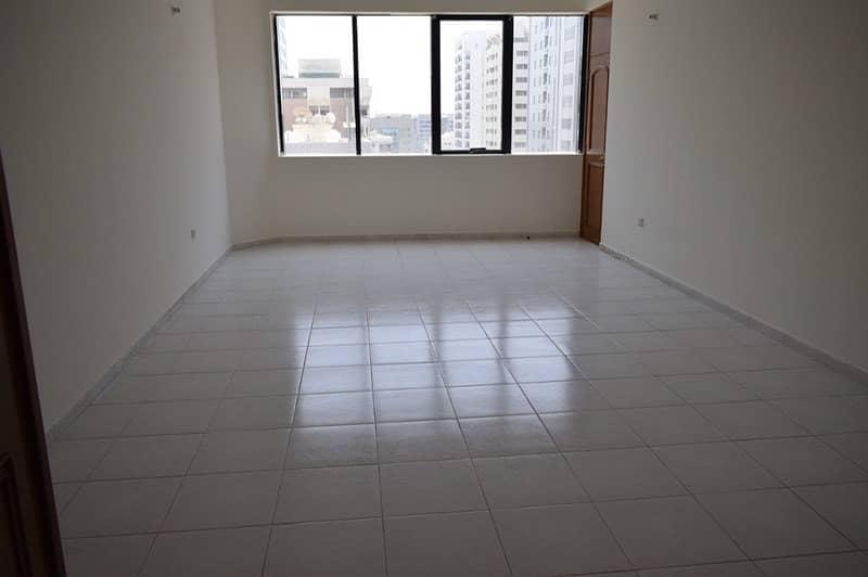 شقة في منطقة النادي السياحي 3 غرف 70000 درهم - 4283993