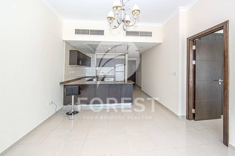 2 Cozy 1 Bedroom Apartment in the Premium Building