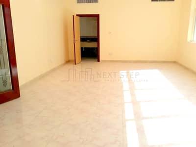 فلیٹ 3 غرفة نوم للايجار في آل نهيان، أبوظبي - A VERY BIG THREE BEDROOM APARTMENT PLUS MAIDSROOM!