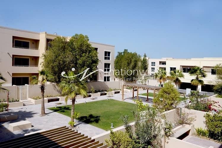 10 2 Chqs - Make This Spacious Villa Your Next Home