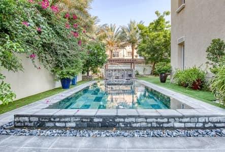 6 Bedroom Villa for Sale in Emirates Hills, Dubai - Well kept Family Home in Sector E