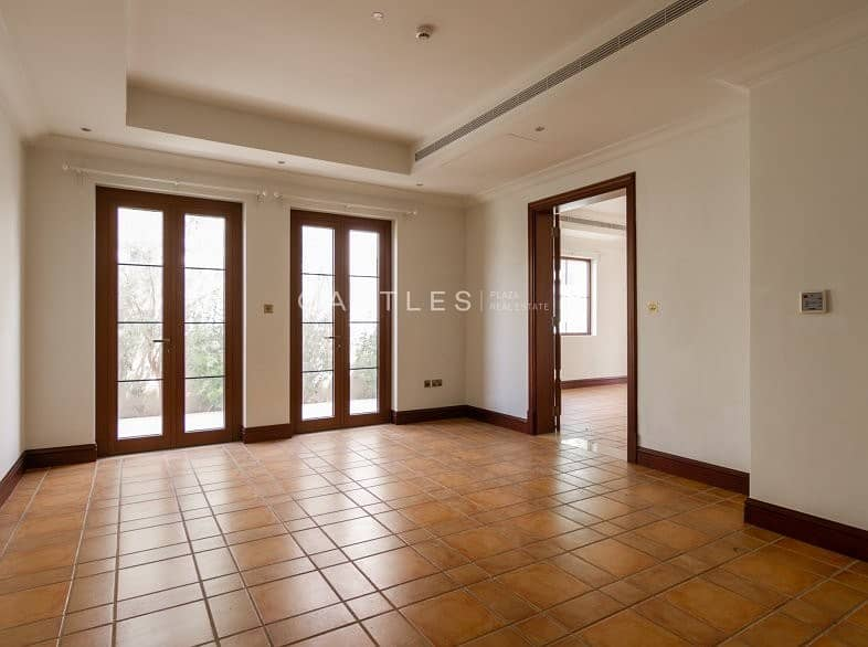 2 Girona D- Lime Tree Valley 5 bed+maids+study
