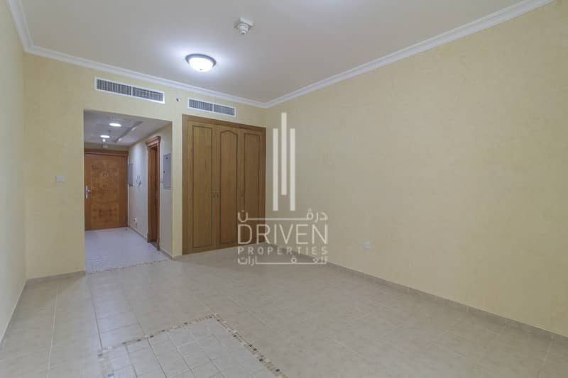 2 Elegant and Well-Maintained Unit for Rent