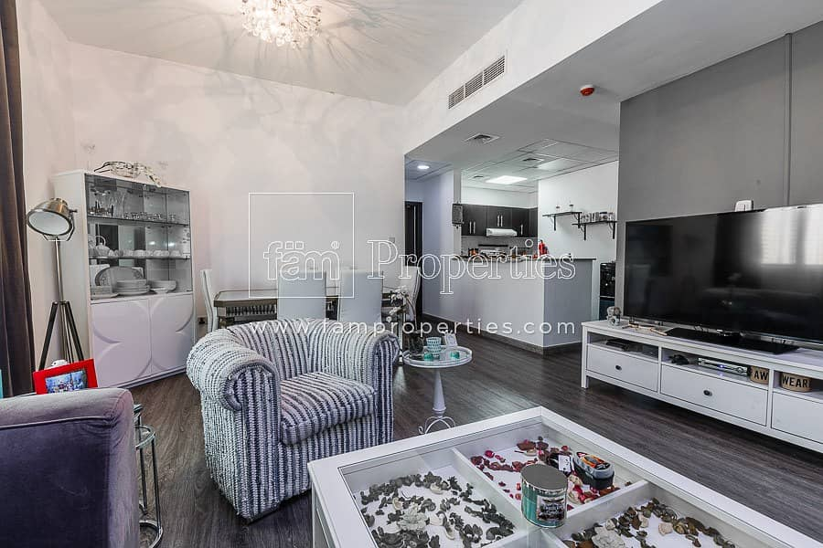 2 Vacant|Largest 1BR | Well Maintained | 2 Parkings