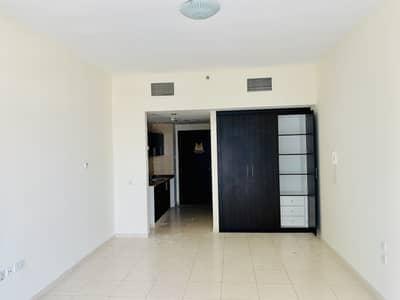Studio for Rent in Dubai Sports City, Dubai - Big Layout | Unfurnished | Balcony | 6th Floor