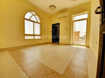فیلا 5 غرفة نوم للايجار في مدينة خليفة أ، أبوظبي - Excellent Villa in a Compound with Shared Pool