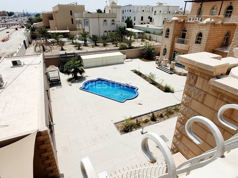 10 Excellent Villa in a Compound with Shared Pool