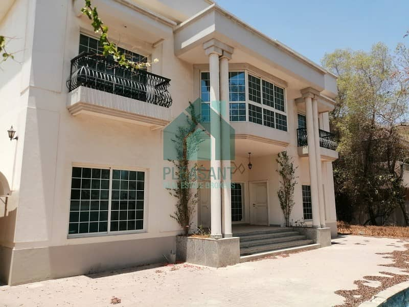 Bright 5 Bedrooms Independent villa for SALE in Jumeirah 3