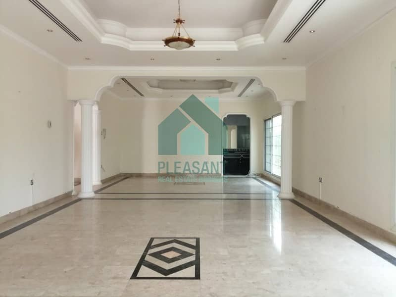 2 Bright 5 Bedrooms Independent villa for SALE in Jumeirah 3