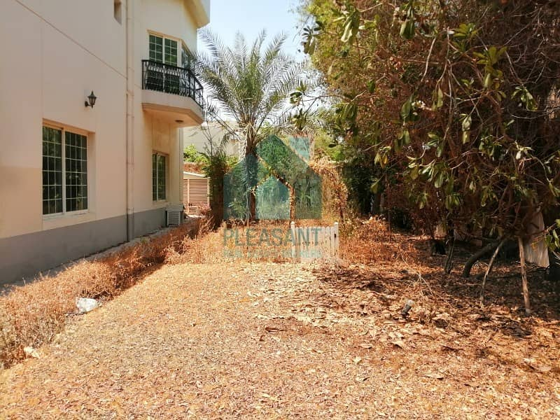 19 Bright 5 Bedrooms Independent villa for SALE in Jumeirah 3