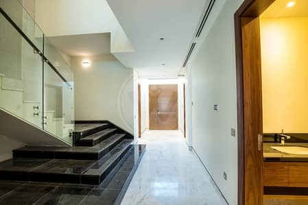 5 Bedroom Villa for Sale in Saadiyat Island, Abu Dhabi - Type 6 on the open ocean two villas from the beach