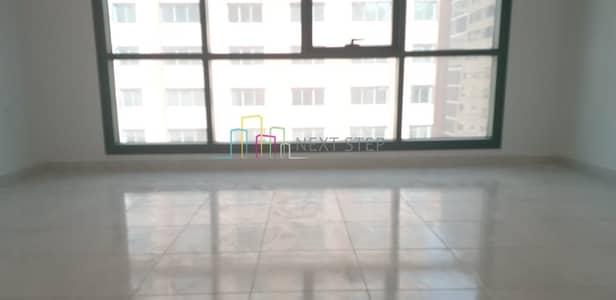 فلیٹ 2 غرفة نوم للايجار في منطقة النادي السياحي، أبوظبي - Covered Parking!!! 2 BHK with Balcony For 68K Only