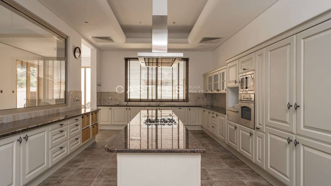 Ready To Move In- Acacia - 6 bed+study+maids-