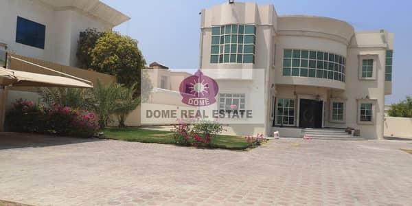 Al Barsha 2 :4 B/R Indp double storey villa avilable for rent