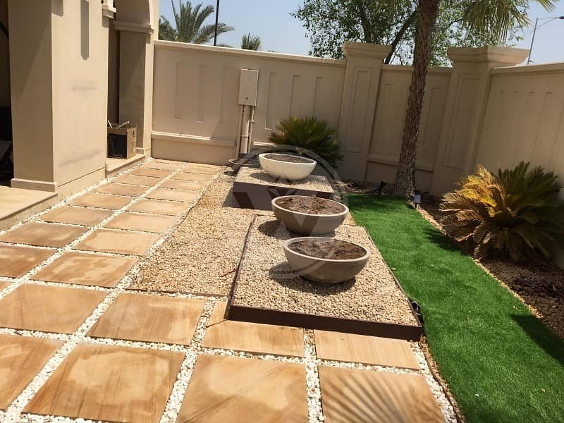 2 Exclusive Best landscaped garden! Call to view!