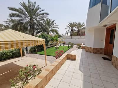 5 Bedroom Villa for Rent in Jumeirah, Dubai - Stupendous 5 BR villa  Pool  Maids  Garden