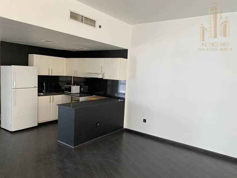 12 Modern 2 Bedroom Apartment  Lago Vista - Vacant