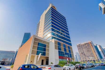 مکتب  للايجار في الخليج التجاري، دبي - Fitted and Furnished | Gleaming Bright Office