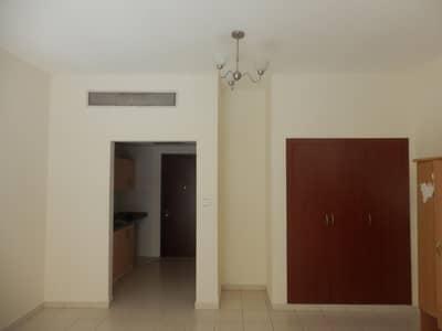 استوديو  للبيع في المدينة العالمية، دبي - Vacant!! Spain Cluster Studio With Balcony For Sale Only  AED 235K